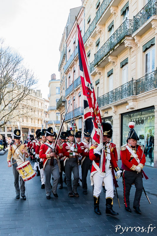 La 44th East Essex Regiment of Foot arrive au Capitole contrairement au 10 avril 1814 où les francais ne le permirent pas