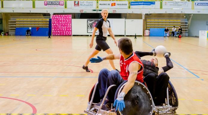 Alan LYNCH (15) de STRH (France) joue les equilibriste devant Sébastien LHUISSIER (1) de SELECTION France (France)