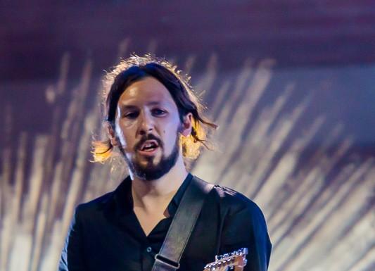 Lovely bones, Julien Marocco à la guitare place du Capitole