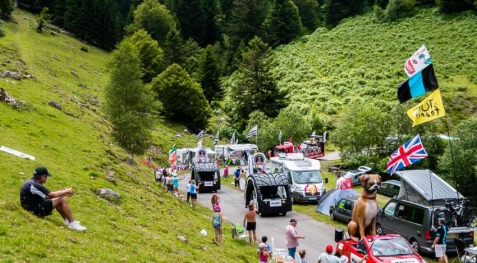 Caravane publicitaire du Tour de France dans le port de Balès, Kleber