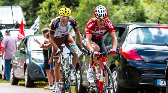 Tour de France dans le port de Balès, légèrement décrochés Montaguti (AG2R), Serpa (Lampre) (hors champ), Gallopin (Lotto)