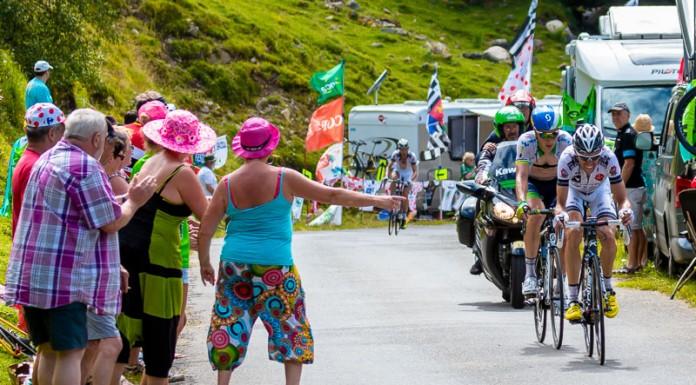 Tour de France dans le port de Balès, Les supporters encouragent tous les coureurs