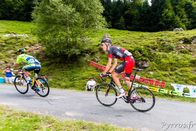 Tour de France dans le port de Balès, Michael SCHÄR (BMC) est décroché