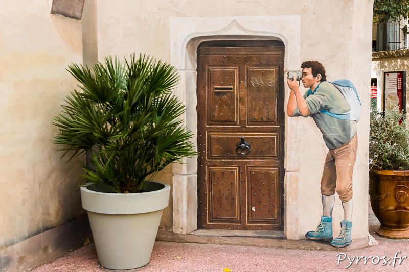 Trompe l'œil place Saint Roch réalisé par 7e-sens se joue des photographes