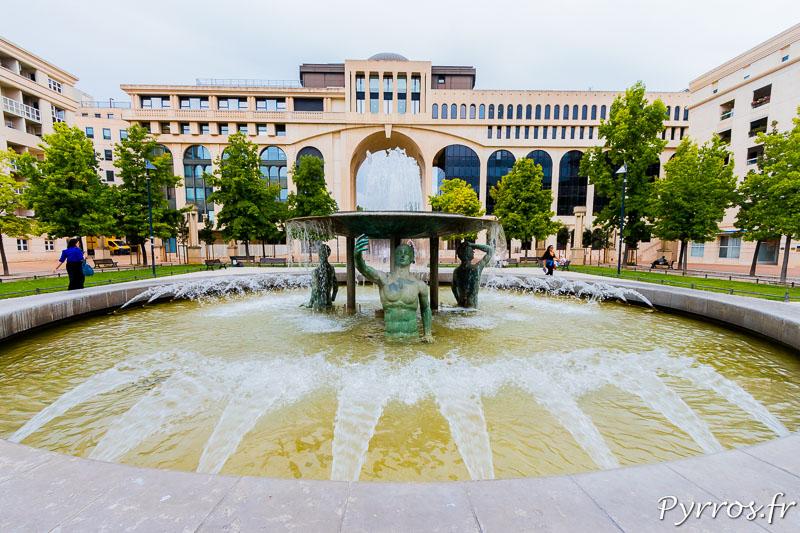 Fontaine des éphèbes Place de Thessalie