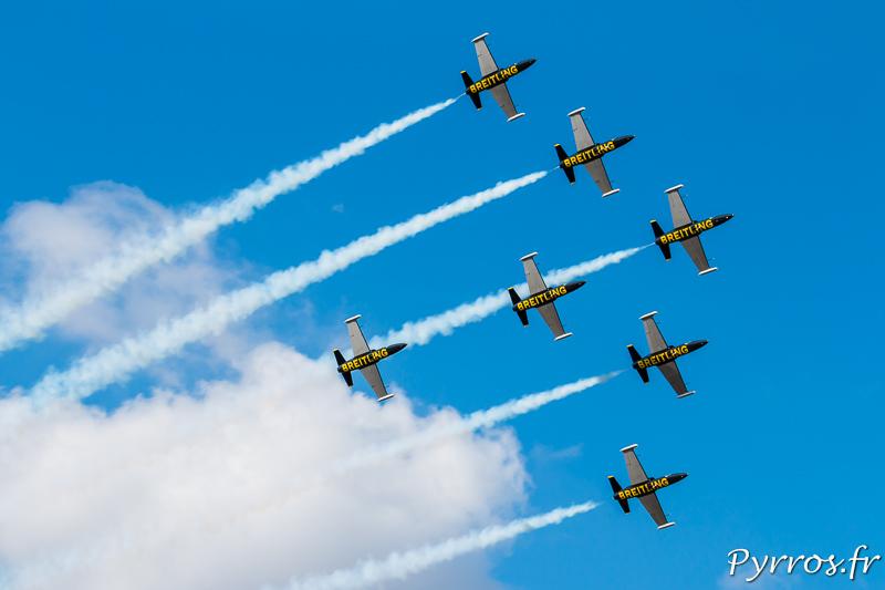 Les Breitling Jet Team en démonstration à Toulouse en formation B1