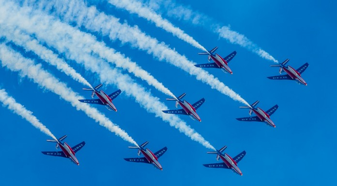 Patrouille de France en formation diamant