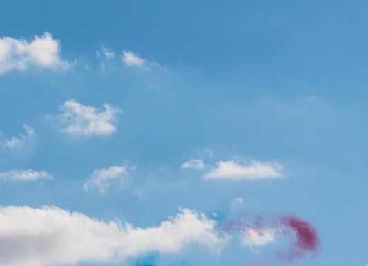Le slalom forme un 8 pour rendre hommage aux 80 ans de l'Armée de l'Air