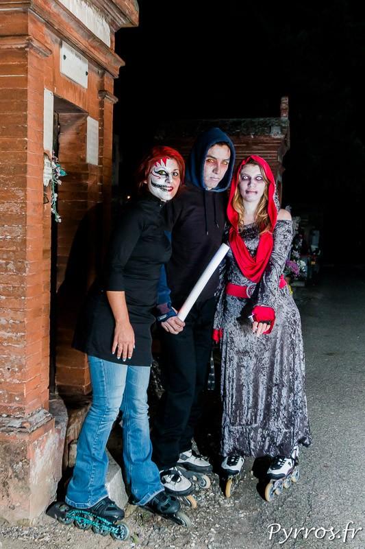 Les monstres sont de sortie dans le cimetière de la Randonnée Roller Halloween
