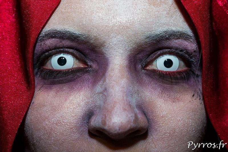 Le regard perçant de la randonnée roller Halloween (randoween)