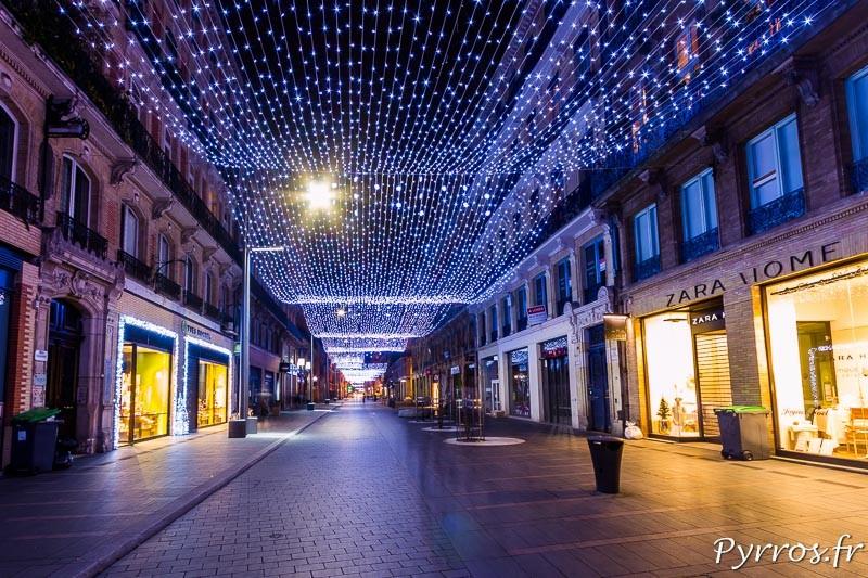 La Rue Alsace Lorraine et son filet lumineux de 800m de long l'un des plus grand d'Europe