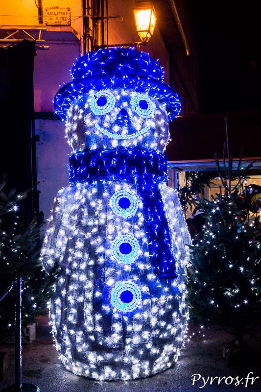 Un bonhomme de Neige lumineux au coeur du Marché de Noël de Blagnac