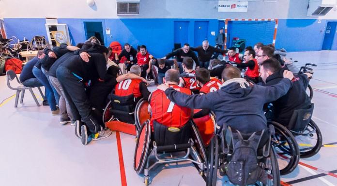 Autour du Coach Clément Trezeux Les joueurs et les bénevoles débrieffent le match et se prommettent de faire mieux lors des prochains matchs