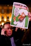 """Certains toulousains portent les """"Unes"""" de Charlie Hebdo"""