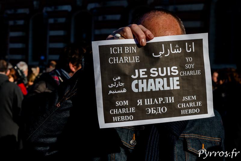 """L'affiche """"Je Suis Charlie"""" dans plusieurs langues"""