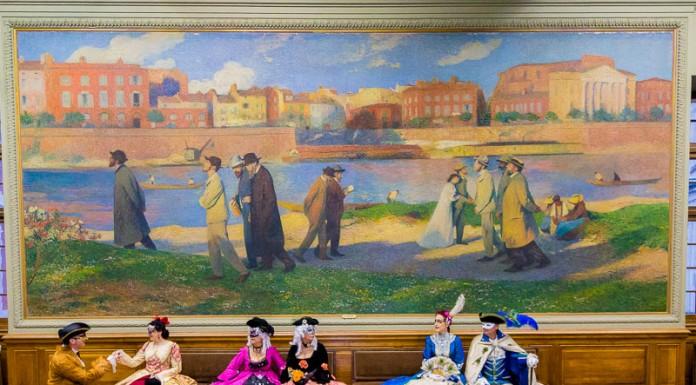 Une petite pause dans la au pied de la gigantesque peinture de Henri Martin