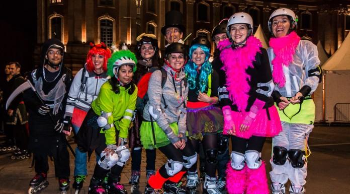 Le groupe des débutants des cours de Roulez Rose participe en nombre pour cette randonnée Carnaval