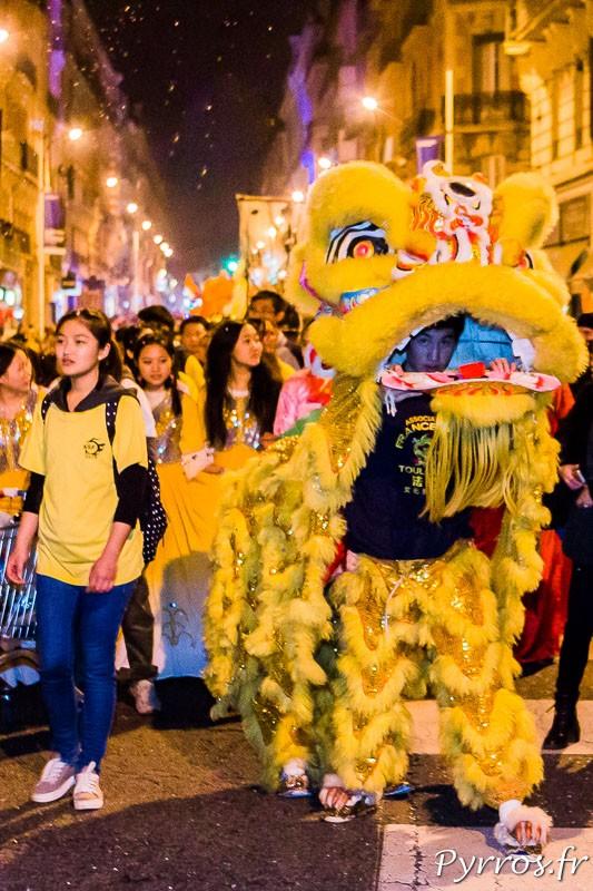 Danse du lion dans le Carnaval de Toulouse