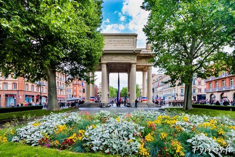 Le Monuments aux Morts de Toulouse vu depuis les allées Forains François Verdier