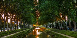 Le soleil se couche dans le Canal de Brienne