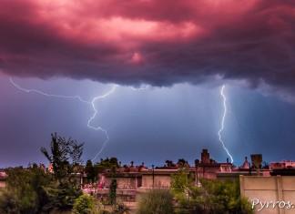 Orage à Toulouse sous le ciel en feu