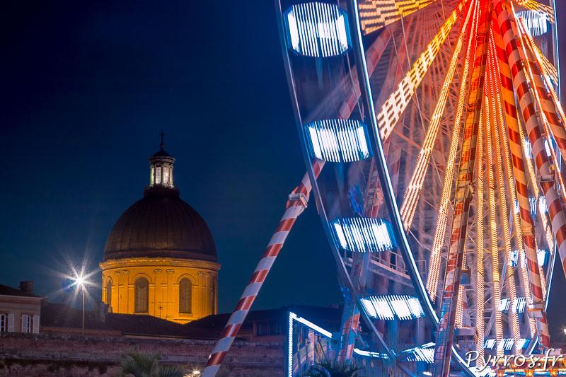 La Grande Roue de Toulouse plage et le Dome de La Grave cohabitent