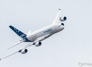 Airbus A380 virage à droite
