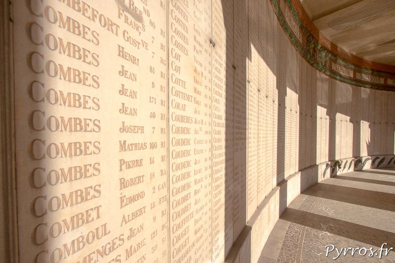 Les noms de 5'211 combattants toulousains sur les murs du Monument aux Morts