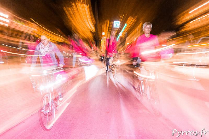 Ballade Octobre Rose en vélo dans les rues de Toulouse
