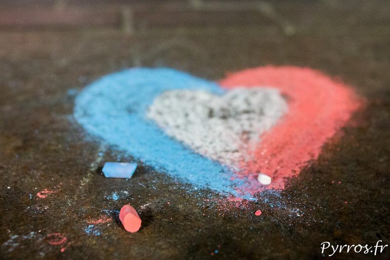 Un Cœur a été dessiné à la craie