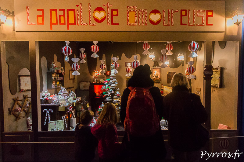 Certains visiteurs sont venus en famille pour visiter le Père Noël au Pays des Friandises