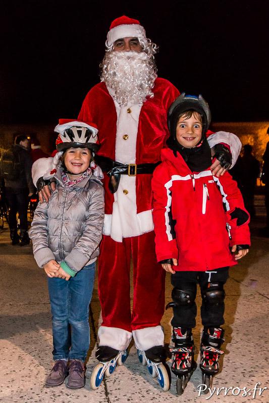 Pour la randonnée des Pères et Mères Noël de Purpan il y avait quelques enfants et le Père Noël