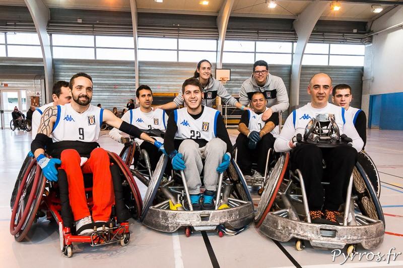 L'équipe de Barcelone remporte le trophée du tournoi