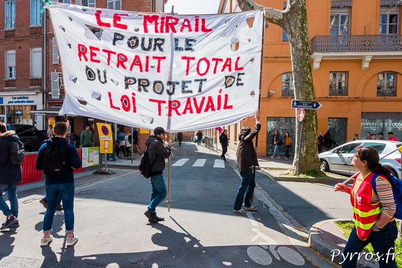 Banderole des étudiants de la fac du Mirail