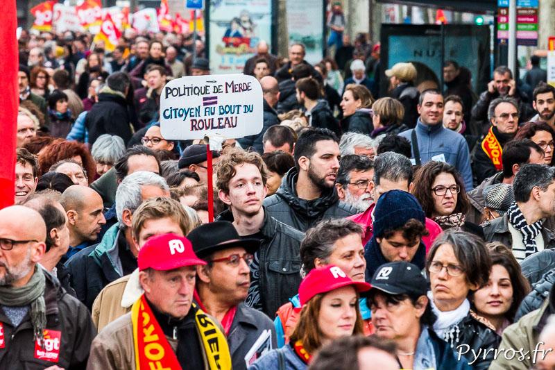 Les manifestants ne protestent pas seulement contre le projet de réforme de loi du travail