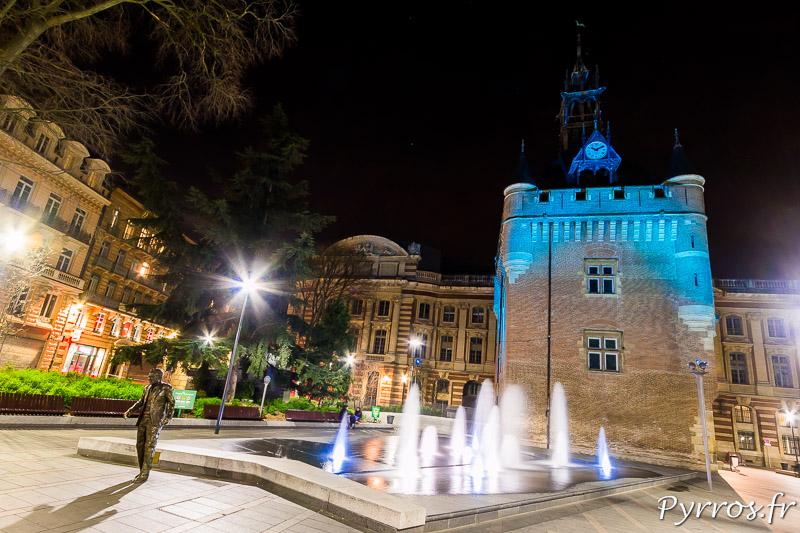 Pour la Journée mondiale de sensibilisation à l'autisme le Donjon du Capitole est illuminé en bleu
