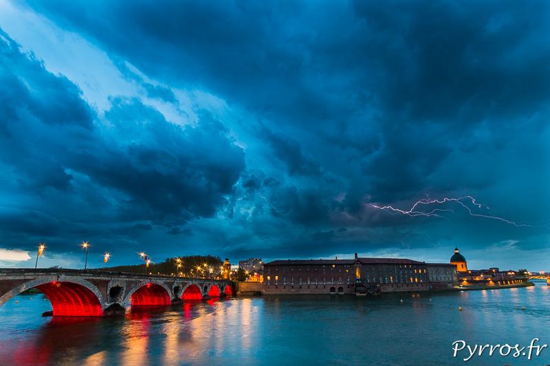 La cellule orageuse passé sur L'Isle Jourdain n'a pas eu grosse activité électrique en arrivant sur Toulouse