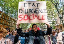 """Une des nombreuses pancartes de la manifestation contre la loi travail : """"Etat d'Urgence Sociale"""""""