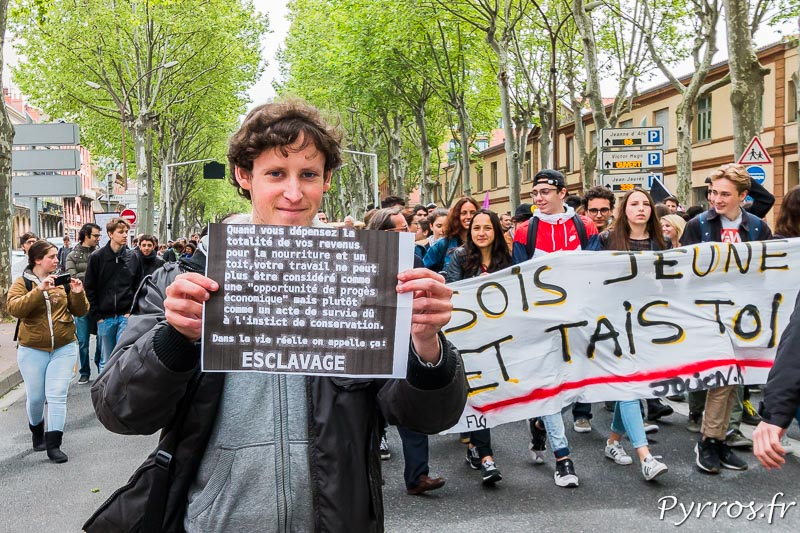 Les lycéens et étudiants manifestent à Toulouse contre la réforme du Code du Travail