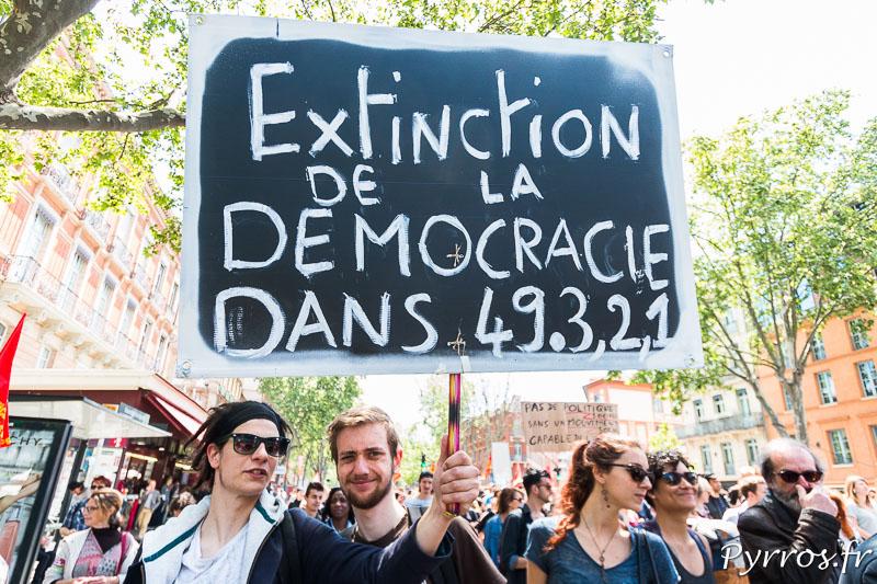 L'utilisation du 49.3 est souvent dénoncé par les manifestants