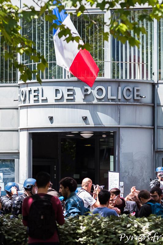 Les manifestants demandent la libérations des personnes arrétées la veille