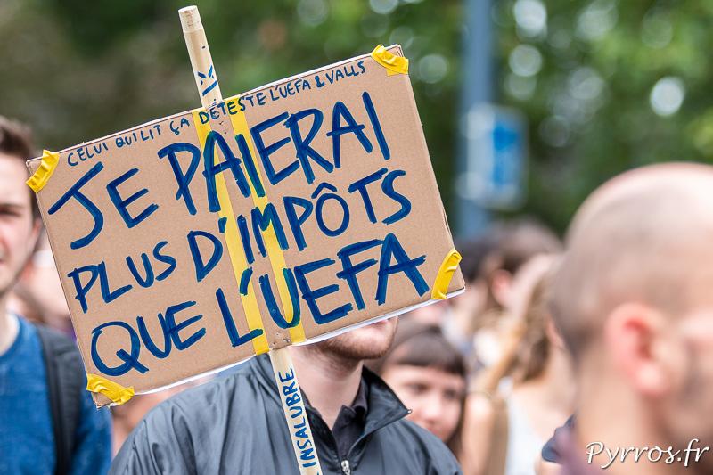Le foot est une cible des manifestants qui ne veulent pas etre oublié du gouvernement durant la compétition