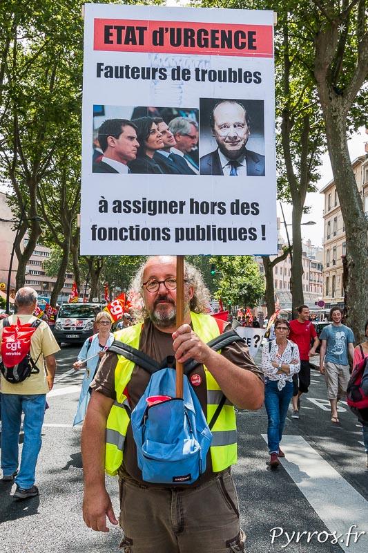 Un autre manifestant toulousain demande le renvoie de certains politiciens