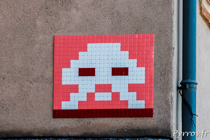 Un invader à pris possession d'un mur à Toulouse