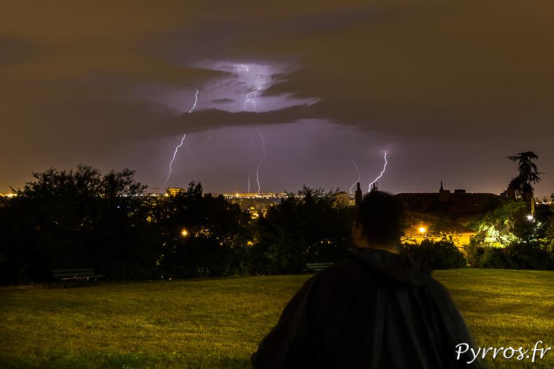 Seul face à l'orage, lors d'une chasse à l'orage au dessus de Toulouse