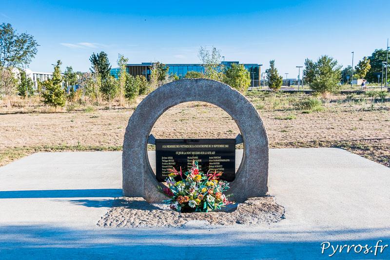 Monument à la mémoire des vicitimes de la catastophe d'AZF