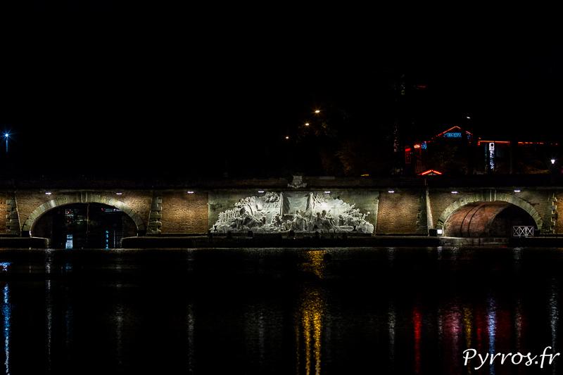 Dans le cadre du Plan Lumière le nouvel éclairage des Ponts Jumeaux a été dévoilé aux toulousains