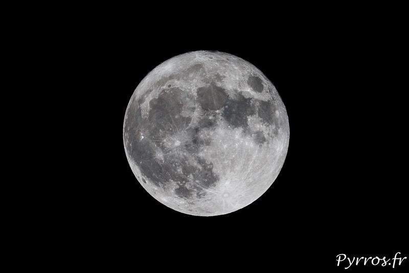 La Super Lune illumine le ciel toulousain