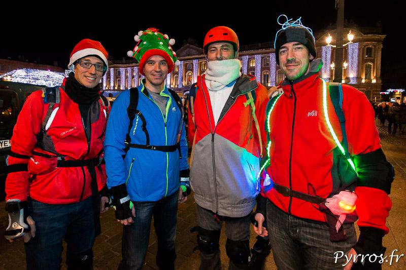Un groupe de patineurs s'est costumé pour la participer à la rando des Pères Noël de Purpan
