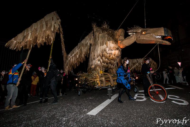Au départ du Carnaval, le vautour déploie ses lourdes ailes
